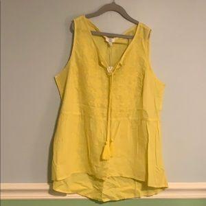 NWT Yellow flowy shirt